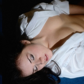 Emotionally arouse a woman for sexual orgasm